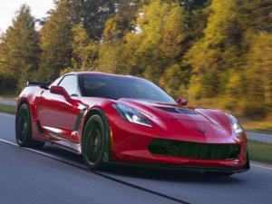 Kraftstoffverbrauch für Corvette: innerorts/außerorts/kom-biniert (l/100 km): 22-18,6/9,5-9,3/14,1-12,7; CO2-Emissionen kombiniert (g/km): 322-291 (gemäß VO [EG] Nr. 715/2007); Energieeffizienzklasse: G